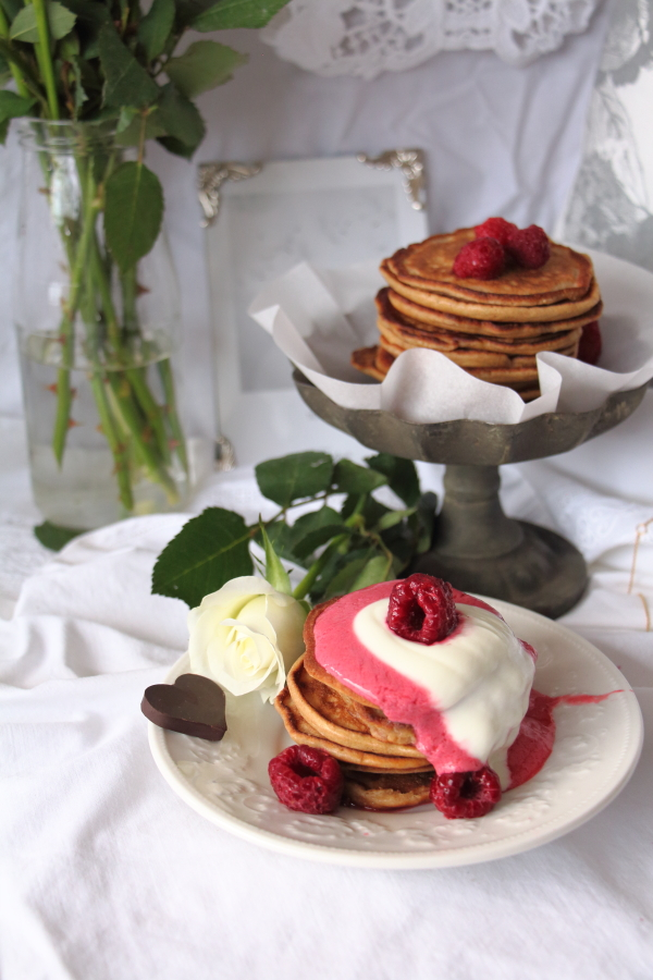 pancakes mit himbeeren laurasapfelbaum. Black Bedroom Furniture Sets. Home Design Ideas